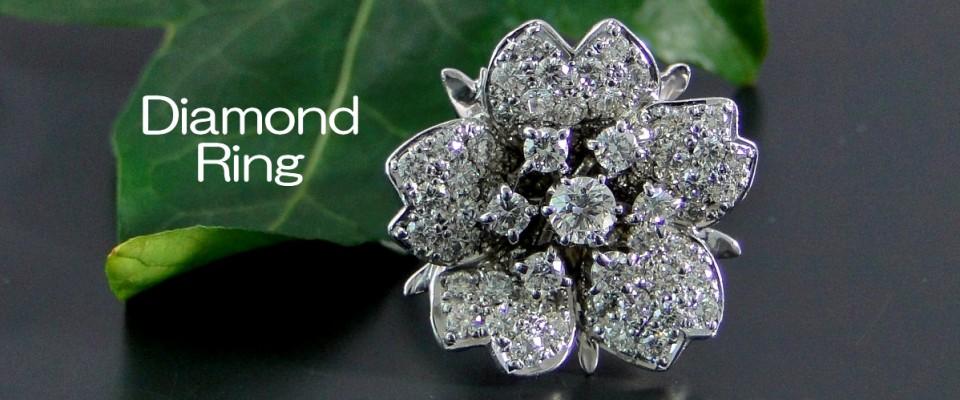 ダイヤモンドの花の指輪